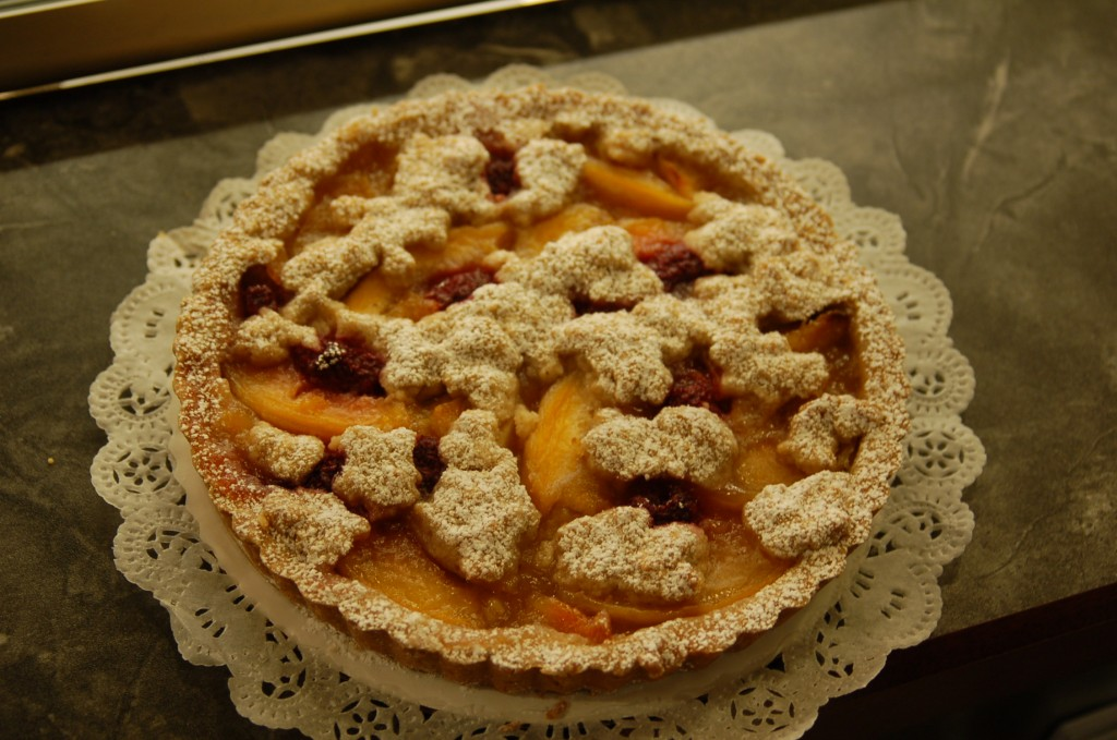 peach berry torte